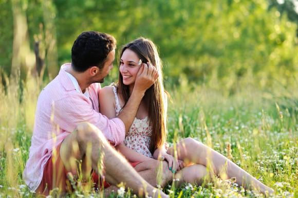 彼氏に愛されてるか不安…彼氏に愛されてる女性になる為にやる事1つ